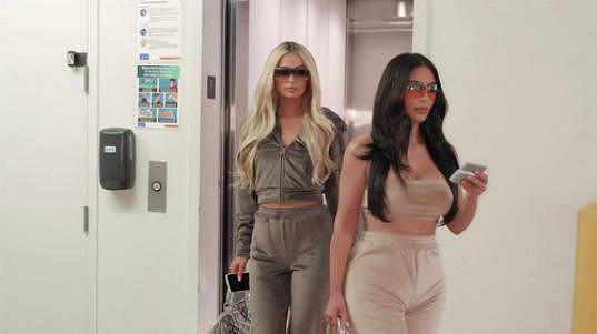 Kim spojila síly s Paris Hilton.