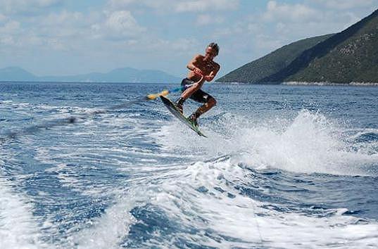 Janek ledecký na wakeboardu