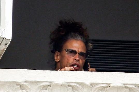 Zpěvák Aerosmith se rozčiloval kvůli paparazzi.