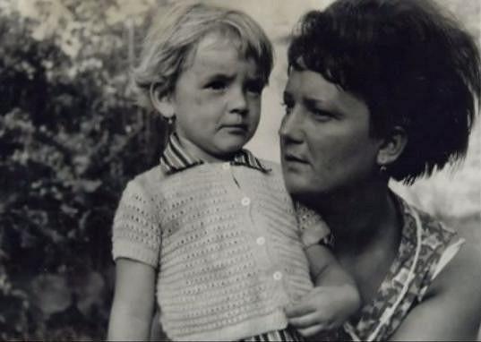 Jolana Voldánová jako malá holčička.