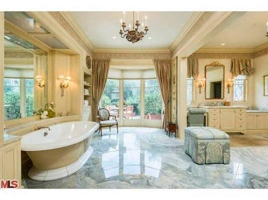 Jedna z osmi koupelen.