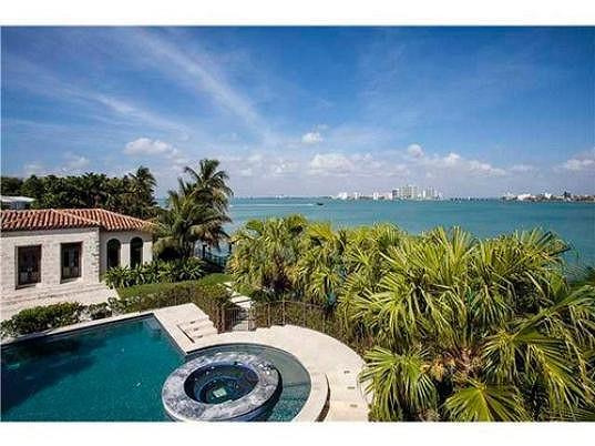 Z domu je krásný výhled na lagunu Biscayne Bay.