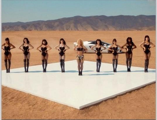 Britney se svými tanečnicemi