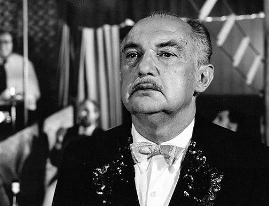 Bohumil Šmída byl mimo jiné vlivný produkční, ale zahrál si i v několika filmech. Například v detektivce Případ mrtvého muže.