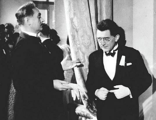 František Kreuzmann st. jako tělocvikář Tuřík a František Filipovský alias Mazánek v Cestě do hlubin študákovy duše