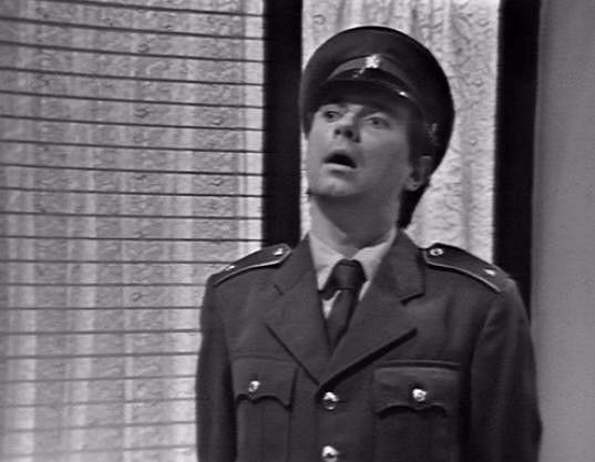 Milan Stehlík v cyklu Bakaláři (1972). Do příslušníků bezpečnosti byl často obsazován.