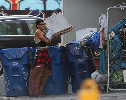 Živí se z odpadků.