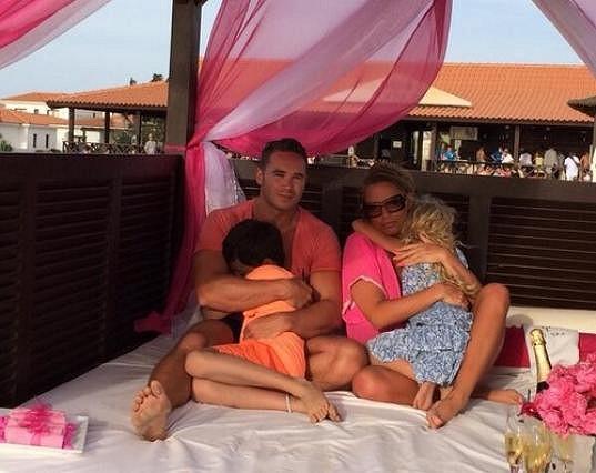 Katie s Kieranem a jejími dětmi z předešlých vztahů