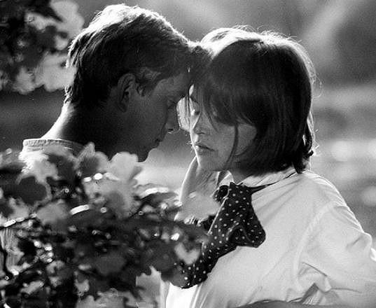S Jaromírem Hanzlíkem v Romanci pro křídlovku. Dostala od něj svou vůbec první pusu.