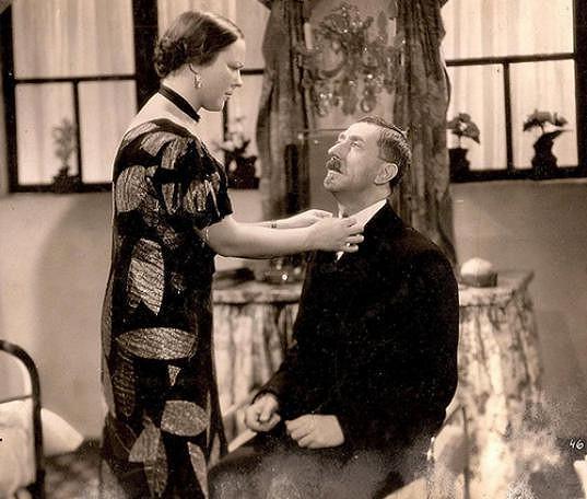 S Jindřichem Plachtou ve filmu Milování zakázáno (1938)
