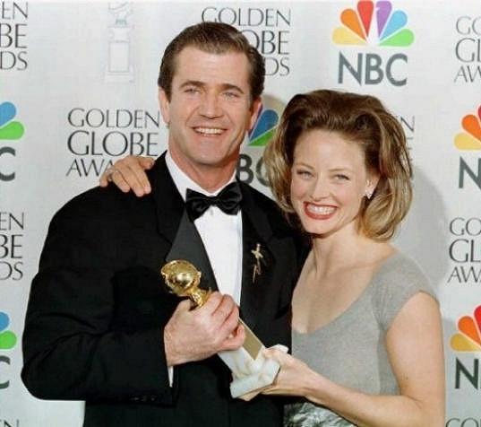Jodie a Mel jsou nerozlučná dvojka již řadu let. Na fotografii společně na Zlatých glóbech v roce 1996.