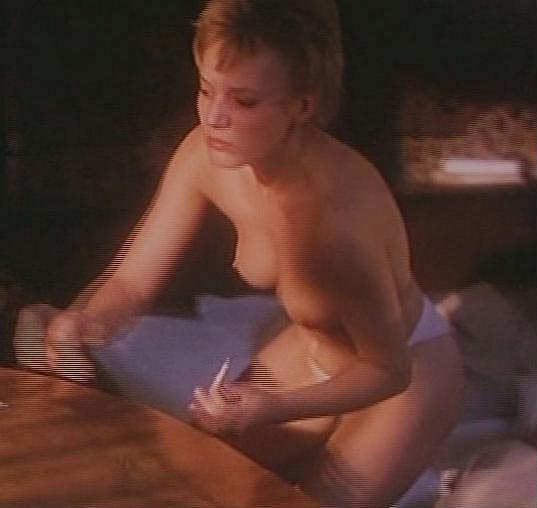 První role přinesla hned několik svlékacích scén.