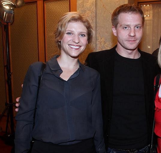 Veronika Jeníková (vpravo) se ukázala na charitativní akci Srdce pro děti.