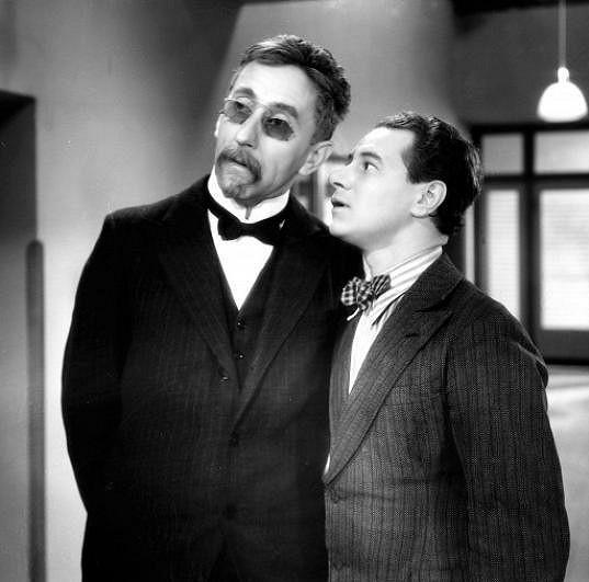 Jindřich Plachta a Ladislav Pešek ve filmu Škola základ života