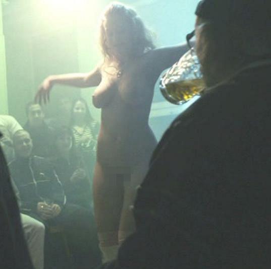 V Poupatech se ukázala úplně nahá.