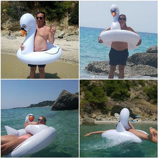 Richardovi byla labuť akorát, Markéta se v ní skoro utopila.