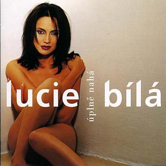 A takhle na obale desky vypadala skutečná Lucie Bílá.
