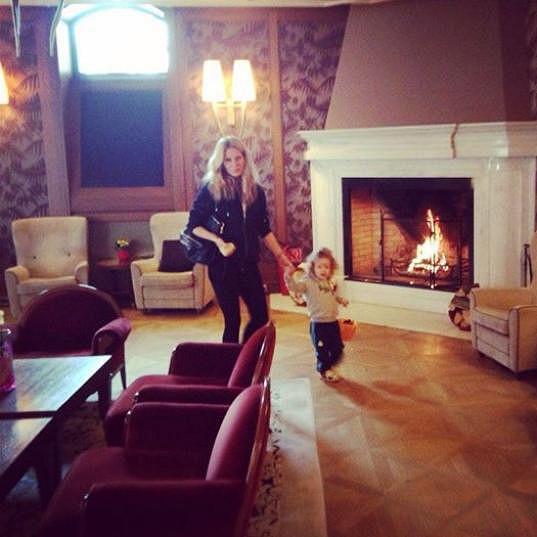 Simona se synem Maxem v hotelu Kempinski ve Vysokých Tatrách