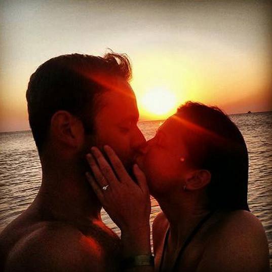 Michael a Eliška se zasnoubili na dovolené.
