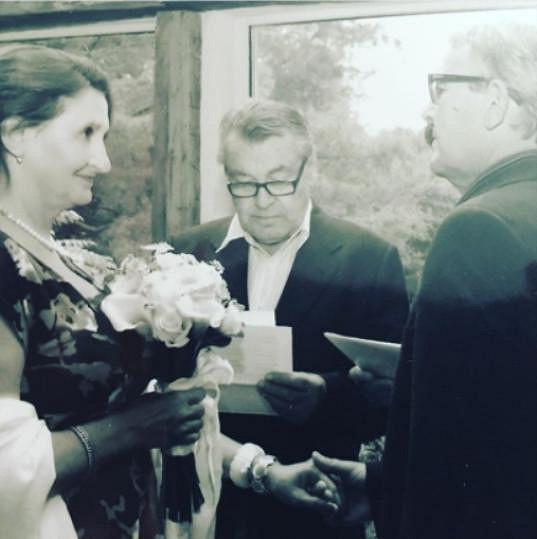 Manželský slib si řekli před slavným režisérem.