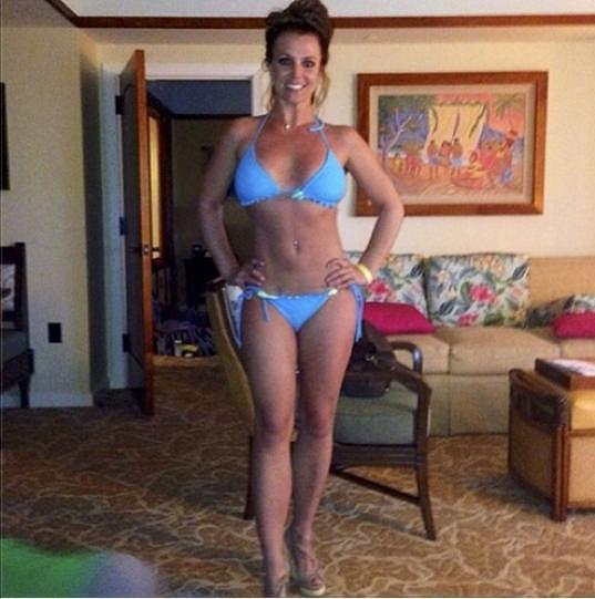 Britney Spears vypadá o deset kilo lehčí než začátkem týdne.