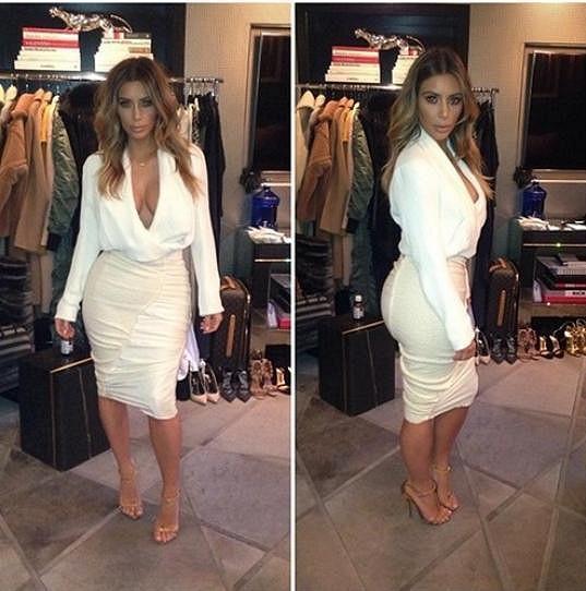 Tuhle sukni pro ni narychlo vybrali stylisté v zákulisí.