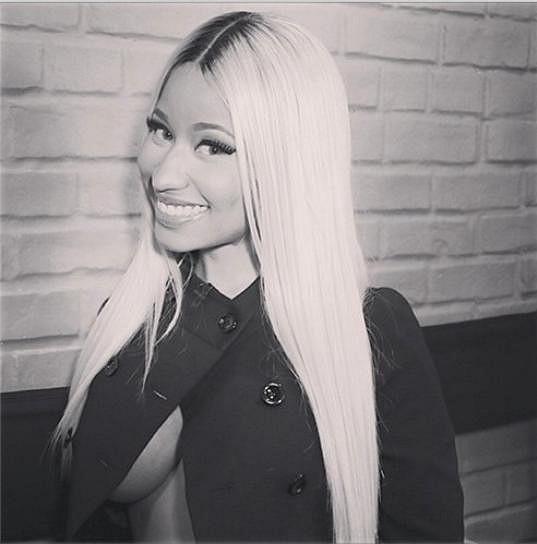 Nicki Minaj se ráda odhaluje.