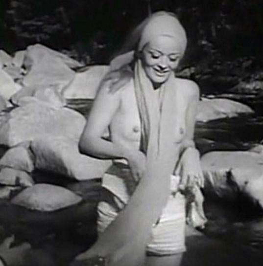Jana Brejchová se odhalila ve filmu Ďábelské líbánky.