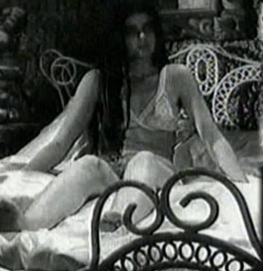 Andrea Čunderlíková ve spodním prádle.