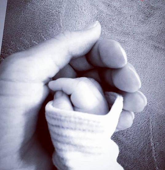 Procházková se pochlubila ručkou malého Teodora.