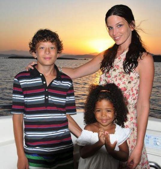 Viera má, stejně jako Simona, dvě děti. Syna Lorena porodila modelka na začátku kariéry ve svých šestnácti letech.