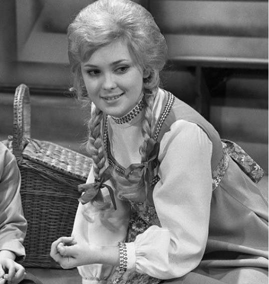 Naďa Konvalinková ve snímku Divoké labutě (1972)
