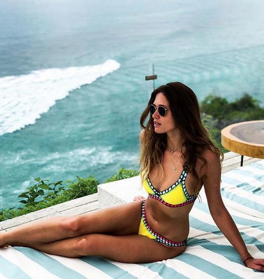 Michaela Štoudková se sluní na Bali.