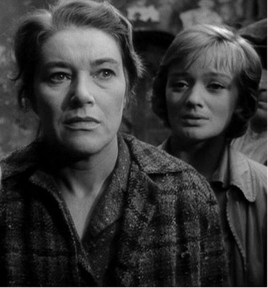 Marie Vášová a Jana Brejchová ve filmu Vyšší princip