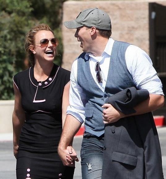 Není pochyb, že David dokáže Britney rozesmát.