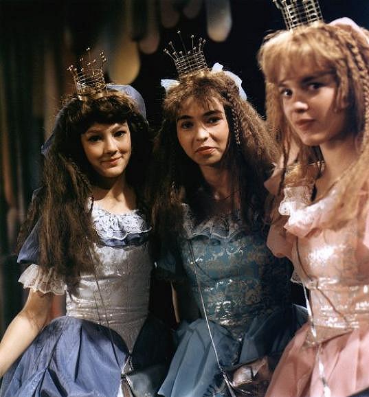 Jako jedna z princezen v pohádce Honza a tři zakleté princezny (1984)