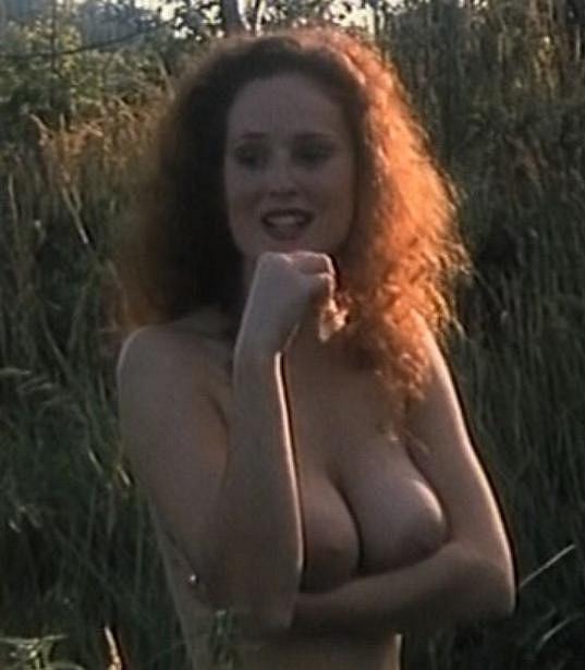 Tehdy jí bylo dvaadvacet let a za sebou už měla řadu svlékacích scén.