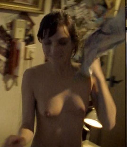 Michaela Maurerová se nahoře bez ukázala ve filmu PF 77.