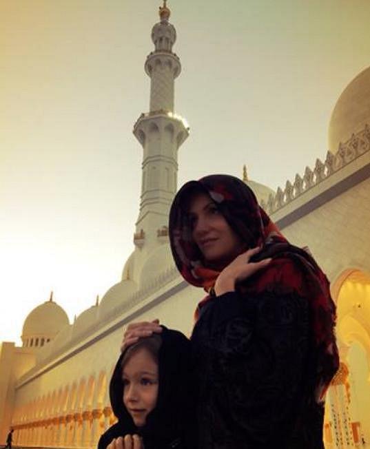Navštěva největší mešity na světě byla pro Daru Rolins a její dceru Lauru obrovským kulturním zážitek.