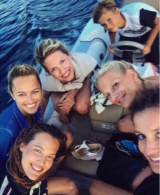 Na člunu