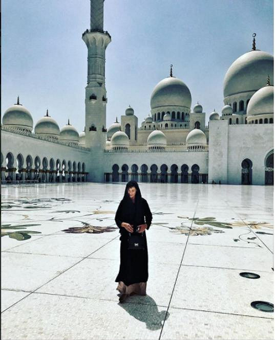 Michaela na návštěvě mešity Zayeda