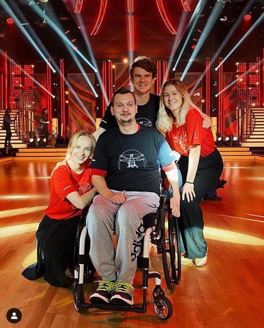 Vozíčkář Jiří se během tréninků zranil a musel do nemocnice. Na sobotní přenos ale dorazil a mohl zatančit. Jak řekl - má rád výzvy.