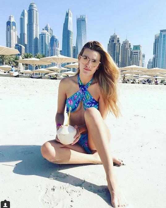 Nově nabytou svobodu si užívala na dovolené v Dubaji.