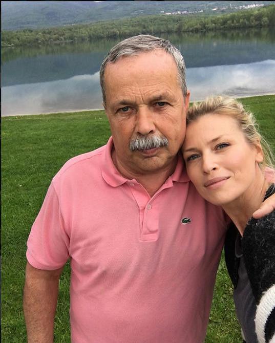 Díky jejímu profilu na Instagramu víme, jak vypadá její tatínek.