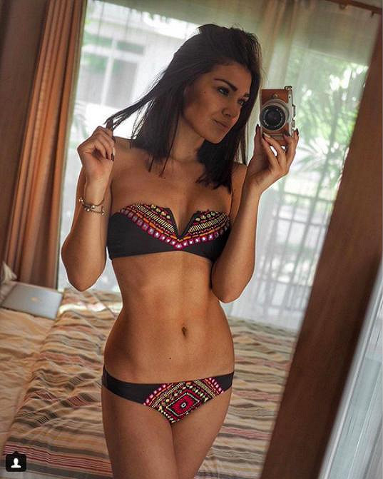 Andrea zásobuje svůj instagramový profil fotkami v plavkách.