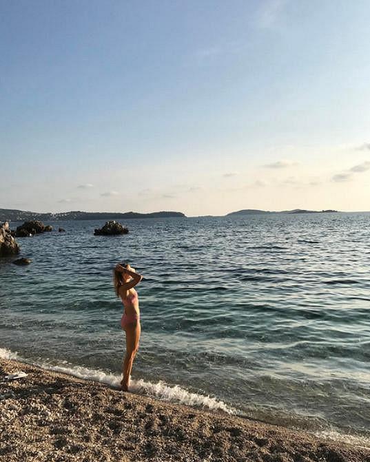 Nicole Vaidišová si užívá sluníčka v Chorvatsku.