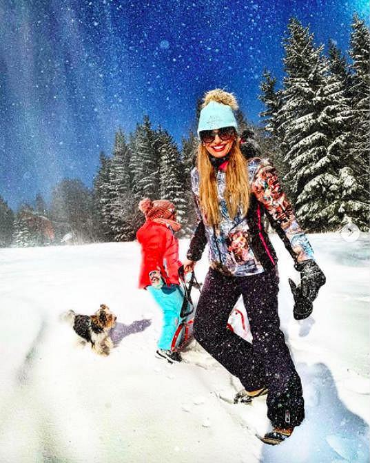 Před Silvestrem vyrazila s dětmi na české hory.