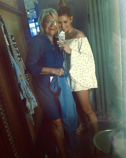 Na nákupech s maminkou