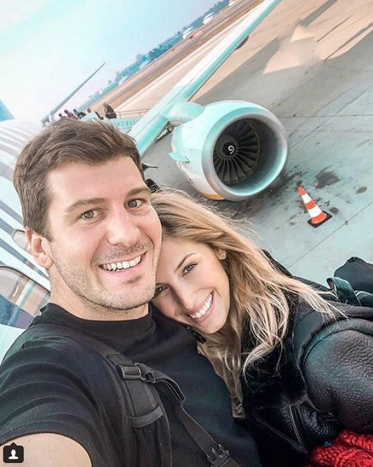 Michaela chodí s moderátorem Petrem Říbalem.