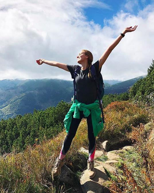 Na oslavu vyrazila s rodinou do slovenských hor a zvládla náročný výšlap.